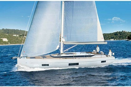 Hire Sailboat BAVARIA C45 Cascais