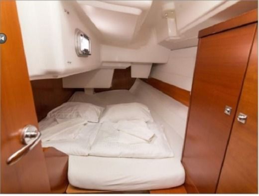 Sailboat Dufour 34 Performance peer-to-peer
