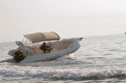 RIB Aga Marine Xspirit 640 for rental