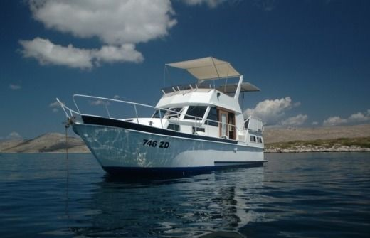 Payo Yacht-Slovenija Cruiser 1090 in Zadar for hire