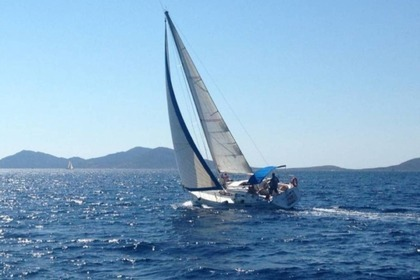 Hire Sailboat BENETEAU OCEANIS 350 Stintino
