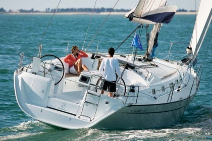 Charter Sailboat BENETEAU CYCLADES 43.4 Rome