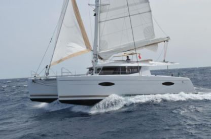 "Charter Catamaran Fountaine Pajot Helia 44 ""pixie Dixie"" Portisco"