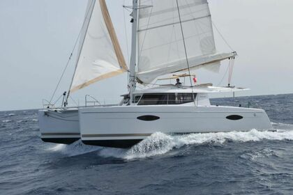Hire Catamaran FOUNTAINE PAJOT Helia 44