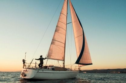 Rental Sailboat Gilbert Marine 31 Six-Fours-les-Plages