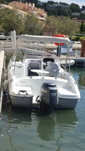 Beneteau Flyer 650 Sundeck in Toulon peer-to-peer