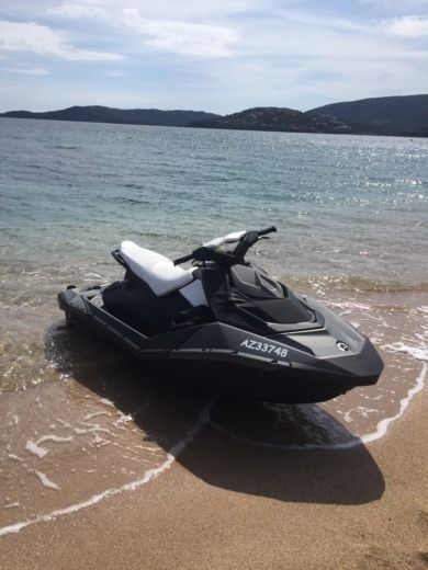 Jet ski Sea Doo Spark for hire