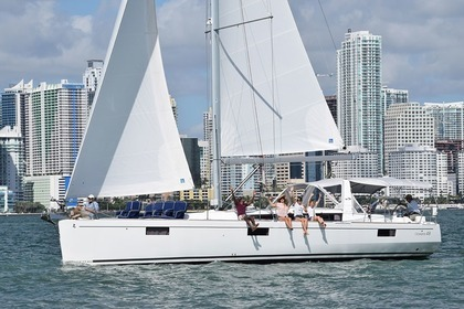 Rental Sailboat BENETEAU 48' Miami