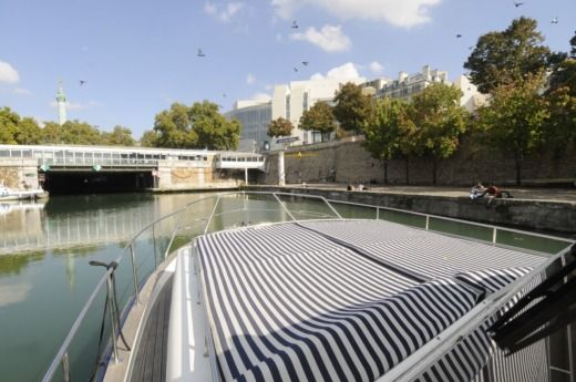Chris Craft Commander 38 en Nogent-sur-Marne en alquiler
