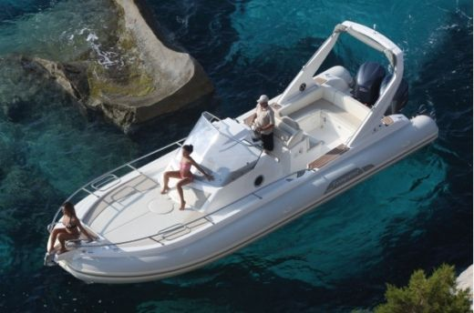 Capelli Tempest 1000 WA in Cassis peer-to-peer