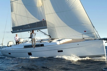 Hire Sailboat HANSE 455 Laurium