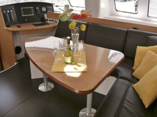 Catamaran Fountaine Pajot Lipari 41