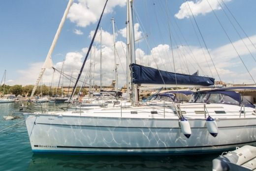 "Sailboat Beneteau Cyclades 50.5 ""Marla"" for hire"