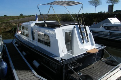 Charter Motorboat Buccaneer Kingfisher Messac