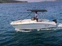 Motorboat Karnic Smart 1-55 for hire