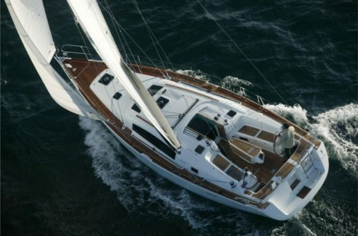 Sailboat Oceanis 40 peer-to-peer
