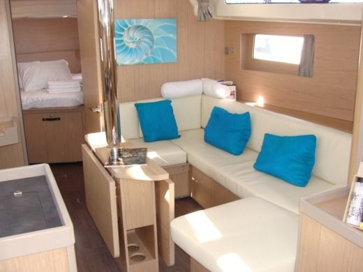 Sailboat Beneteau Oceanis 41.1 for hire