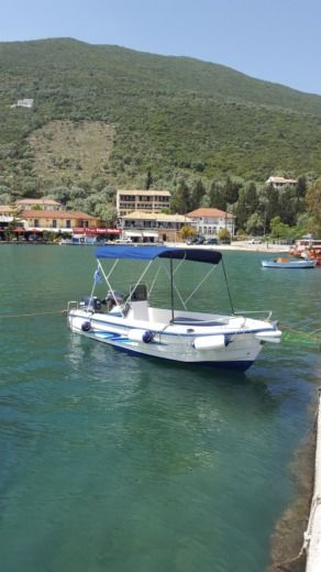 Poseidon 470 in Sivota for rental
