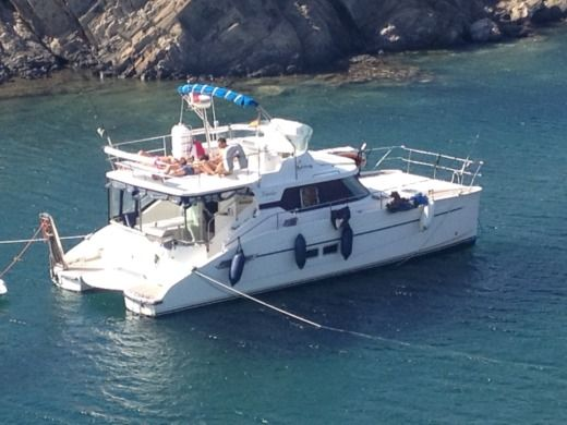 Charter catamaran in Roses, Girona peer-to-peer