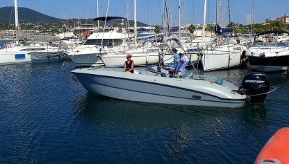 Charter Motorboat Clear Arius Sainte-Maxime