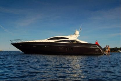 Rental Motorboat Sunseeker Predator 72 Quarteira