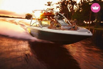 Charter Motorboat MASTERCRAFT X30 Page