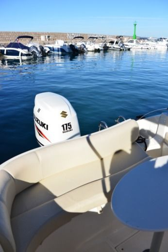 Motorboot EOLO Eolo 650 Day White Edition Leon zwischen Privatpersonen