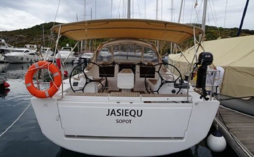 Sailboat Dufour 412 Grand Large for hire