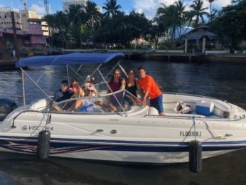 Charter Motorboat Vectra 2302 Fort Lauderdale