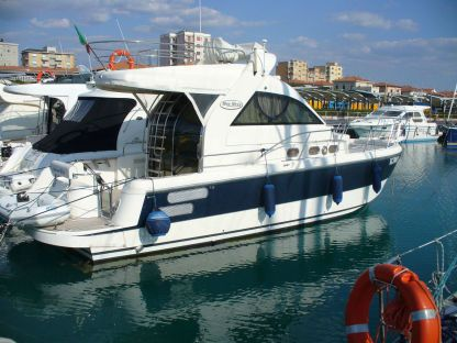 Rental Motorboat Blue Navy 400 Fly Santa Maria di Leuca