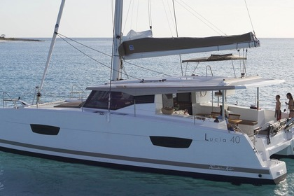 Hire Catamaran FOUNTAINE PAJOT LUCIA 40 Calvi