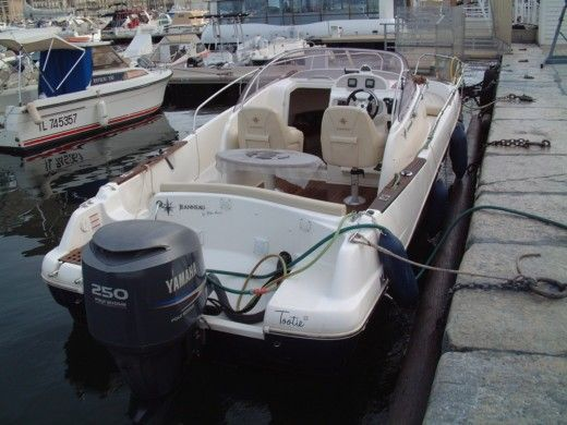 Jeanneau Cap Camarat 755 Wa in Marseille for hire
