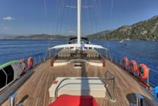 Sailboat Platin Yachting Delux