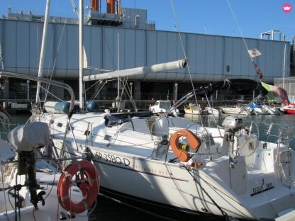 "Rental Sailboat Beneteau Cyclades 43.3 ""tecno Sail"" Genoa"