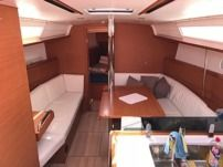 Jeanneau 379 in Sliema for rental