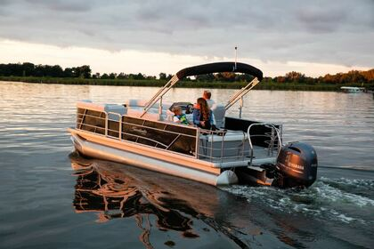 Hire Motorboat Godfrey Sweetwater 50HP Traverse City