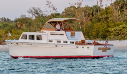 Rental Motorboat Huckins Yacht 50' Palm Beach