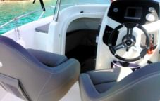 Motorboat Beneteau Flyer 550 Sundeck for hire