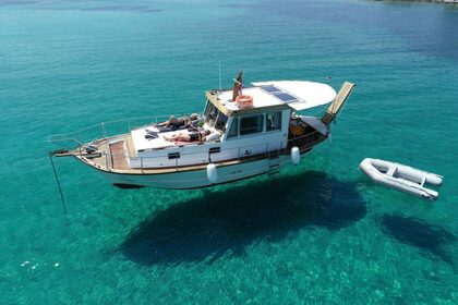 Rental Motorboat Wooden Liberty Paros