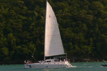 Hire Catamaran Sonic 43 Pattaya