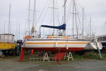 Charter Sailboat Beneteau First 22 Pornic