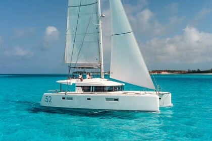 Location Catamaran Lagoon Lagoon 52 F Praslin