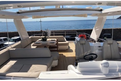 Location Yacht Princess 68 Flybridge Cannes