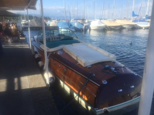 Motorboot RIVA Ariston zu vermieten