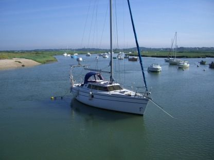 Rental Sailboat Wrighton Biloup 88 Arzal