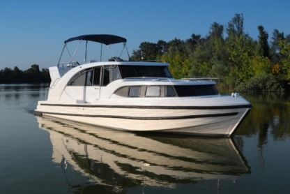 Rental Motorboat Minuetto 8+ Hybrid Casale sul Sile