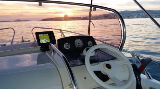 Charter motorboat in Vodice peer-to-peer