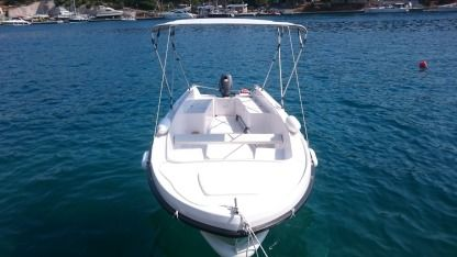Rental Motorboat Ven 501 Milna