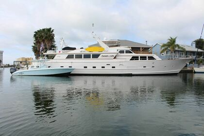 Rental Motor yacht Broward 108 St. Petersburg