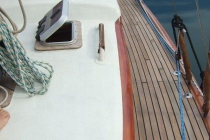 Hire Sailboat Eugéne Plan Cornu classic Antibes